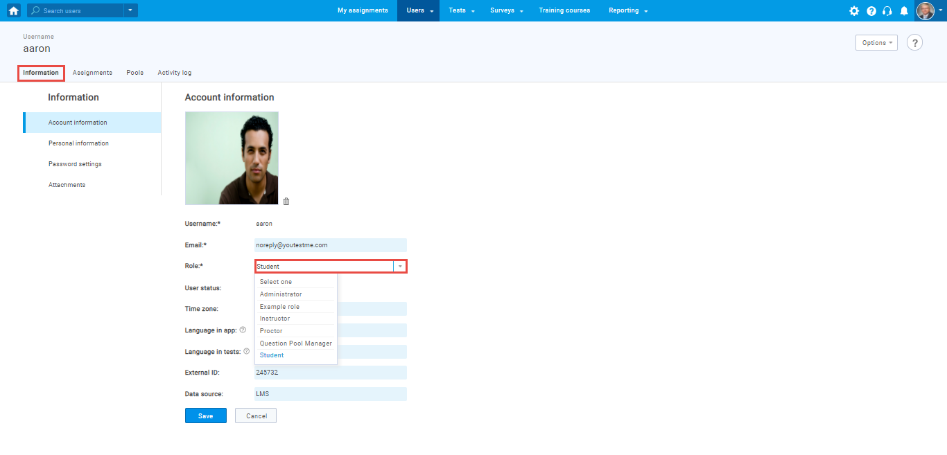 How to assign default user roles and create new custom roles